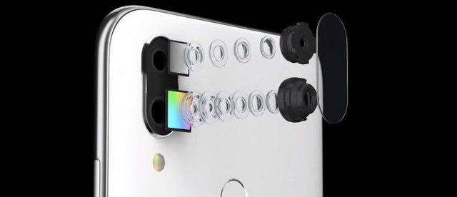 Смартфон Meizu с вырезом в экране и камерой на 48 Мп