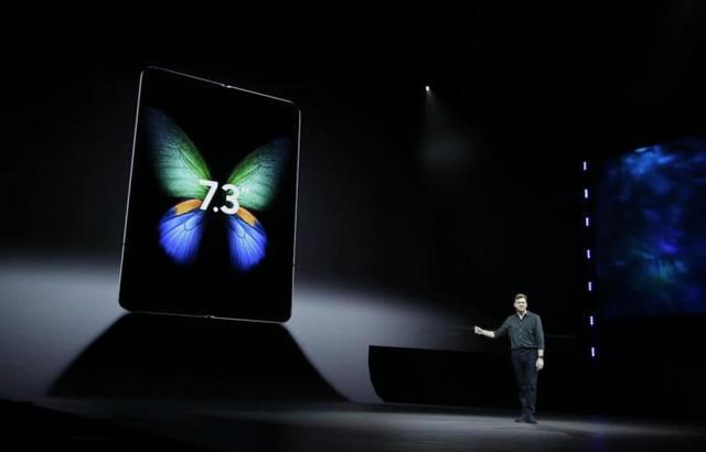 Galaxy Fold разобрали за два дня предзаказов, несмотря на цену